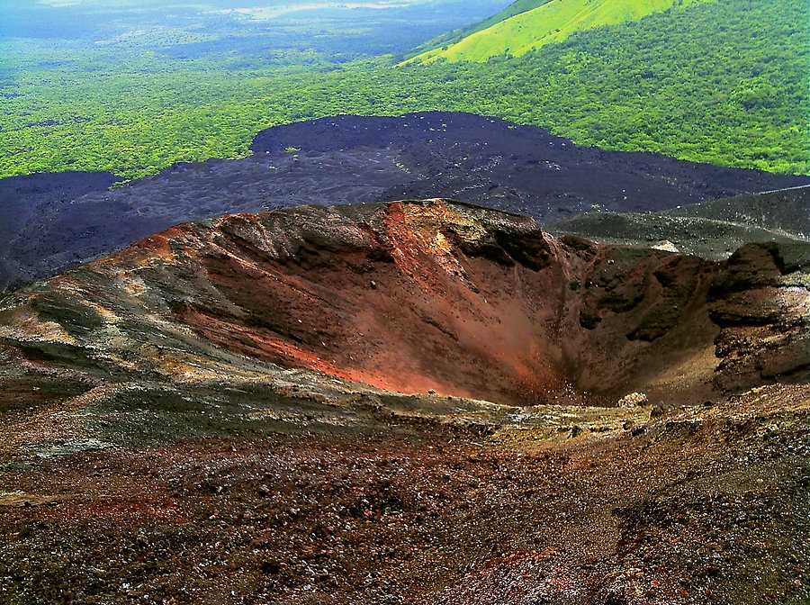 Cerro_Negro_Volcano_Crater_Nicaragua_Aug