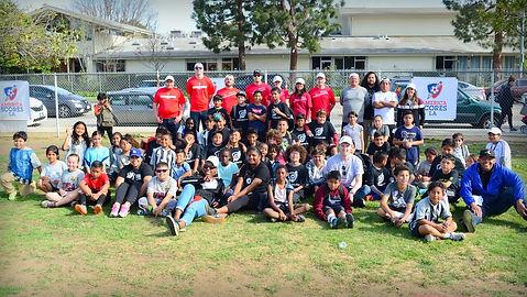 Wells Fargo Bank volunteers at LA Scores GameDay