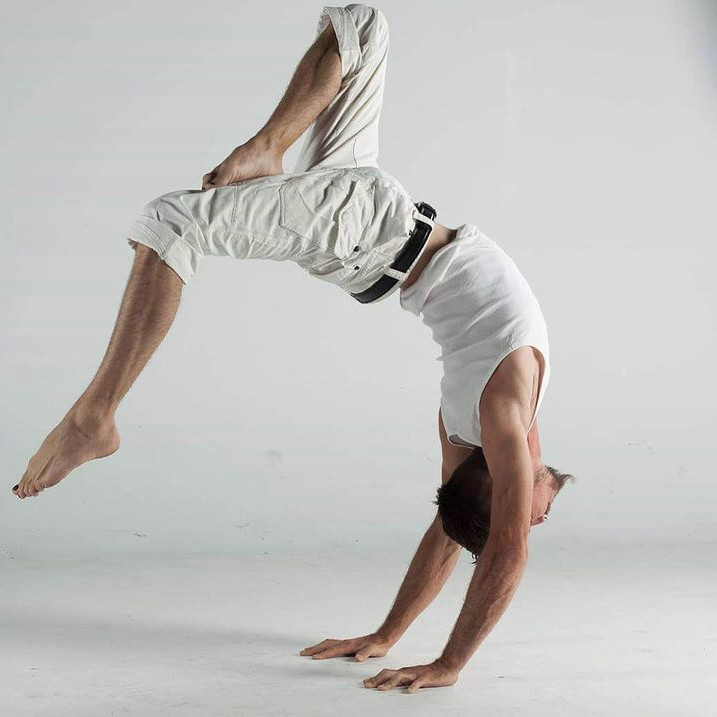 75h Handstand-Up Training