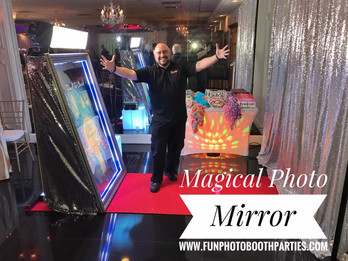 Magic Mirror photo booth fort Lauderdale