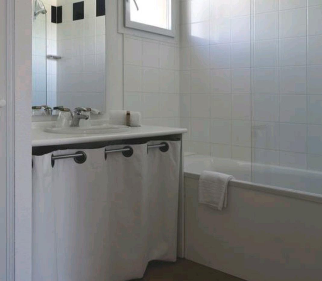 Salle de bain T2 - 2/3 pers - Location vacances Montréal du Gers