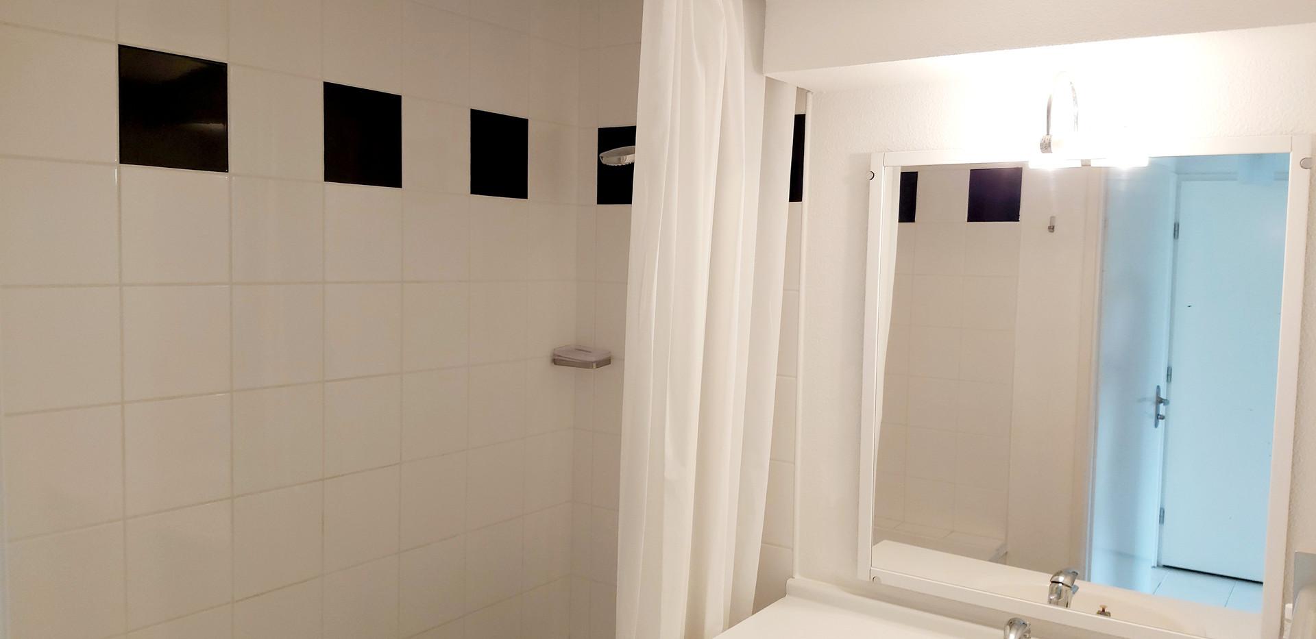 Appartement T2 - 2 pers - Salle de bain - Location de vacances gers