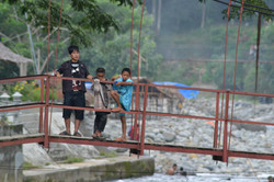 Hanging out in Bukit Lawing.