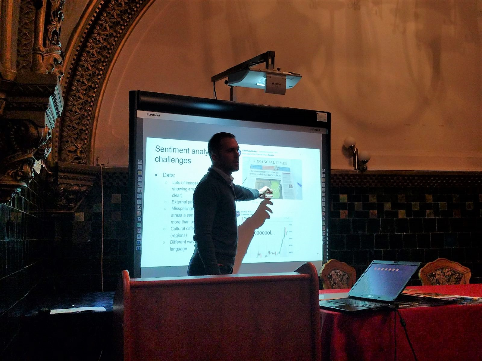 Mircea Moca SynergyCrowds - DigiHubb 2017 data challenge