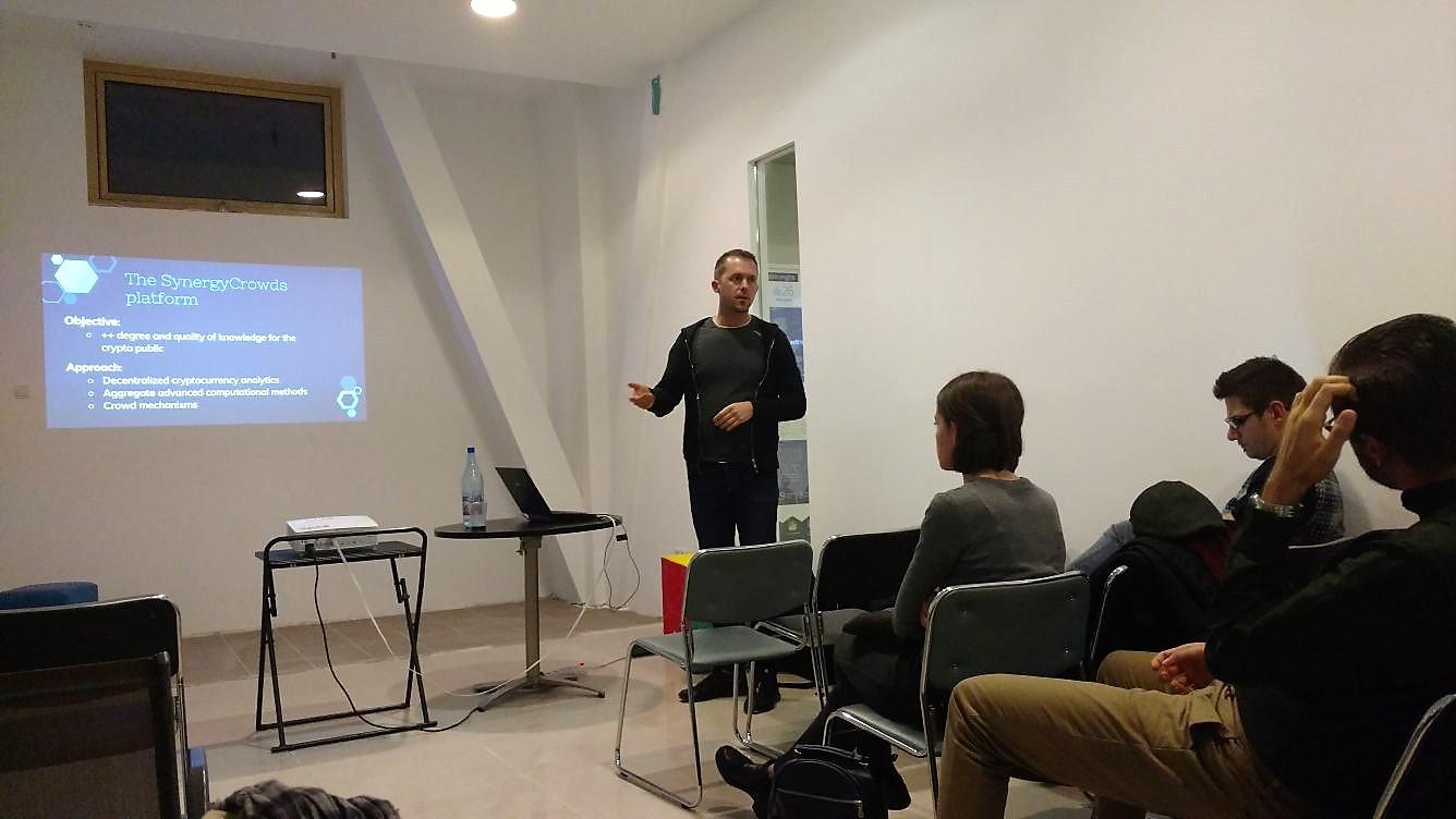 Mircea Moca - SynergyCrowds - Data Analytics 2017 Meetup