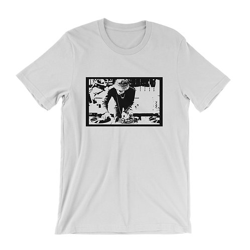 Old School Hip Hop DJ in the park t-shirt