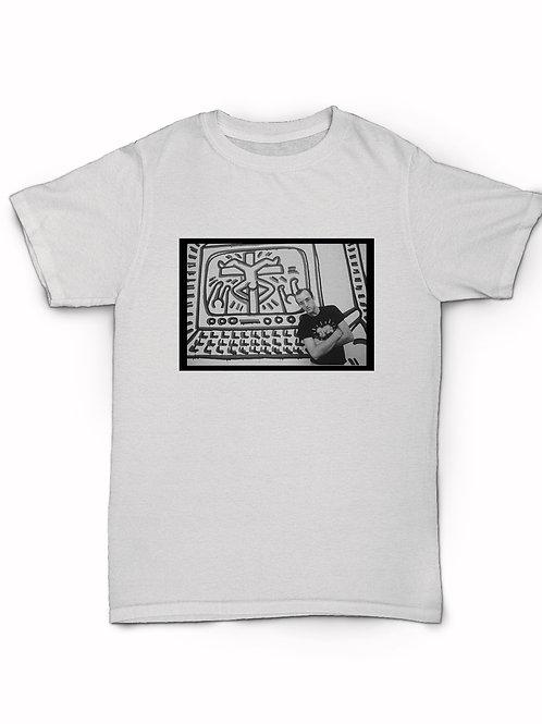 Image ofKeith Haring posing T-Shirt