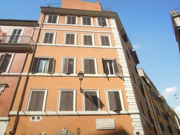 AFFITTO Roma Centro Rione Monti        15 mq, €. 550