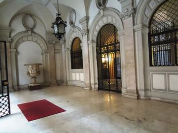VENDITA APPARTAMENTO Roma Centro Via Emilia        160 mq. €. 1.235.000