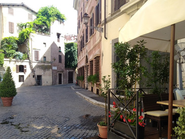 AFFITTASI ufficio-studio Centro Storico  Piazza Venezia/Margana mq. 120  €. 1.800