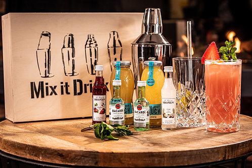 Strawbeery Colada Mix it Drink Box