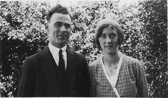 Fred & Connie 24.10.1931 engagement.JPG
