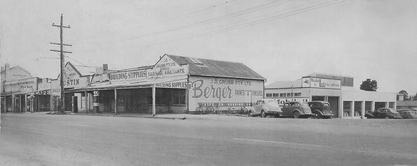Drouin Motors 1952.jpg