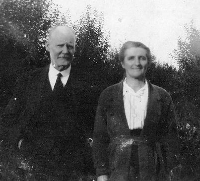 Donald & Rose Grant (Waddell)_edited.jpg