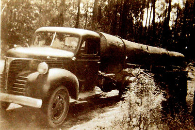 first log truck in 1940s.jpg