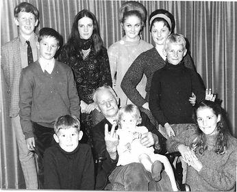Pa Bloye with grandchildren 1970.JPG
