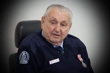 duncan Holman 80 year servcie medal.jpg
