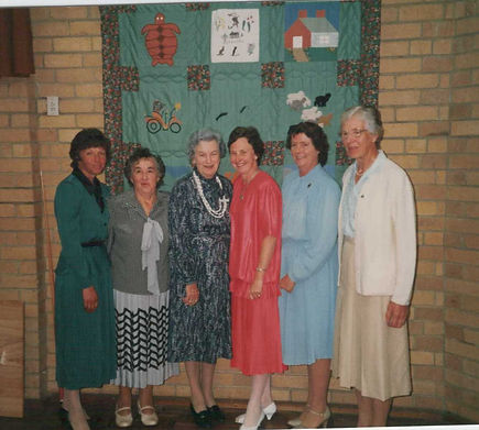 CWA Bicentennial quilt and ladies who ma