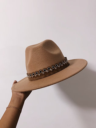 Mia Hat