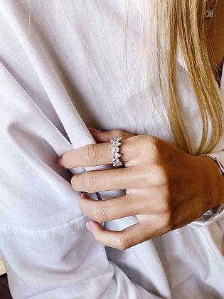Elia Ring