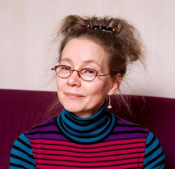 porträttfoto på Psykosyntes terapeut och röstpedagog Kerstin Alex Elfving