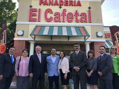 Abren panadería puertorriqueña en zona estratégica de Orlando