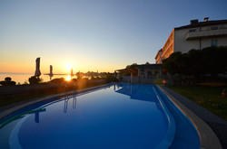 Schwimmbad & Terrasse