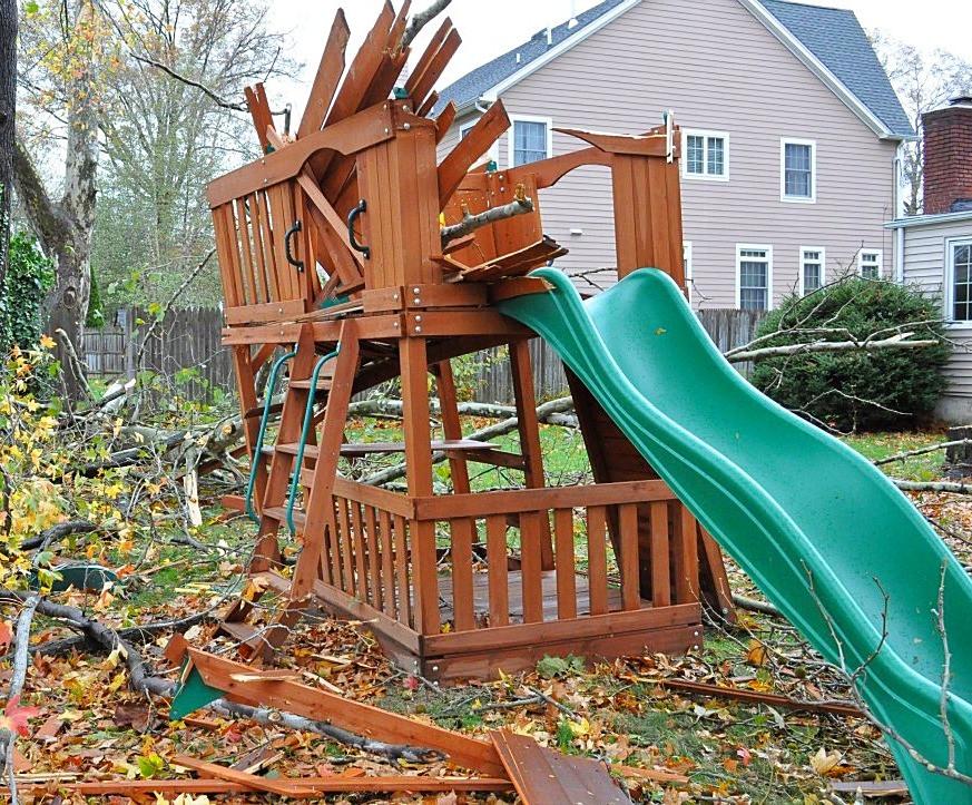 light demolition including playgrounds, sheds, hot tubs & decks