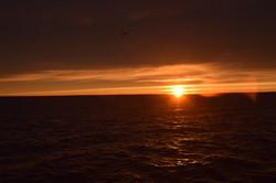 Amanecer en estrecho de Magallanes