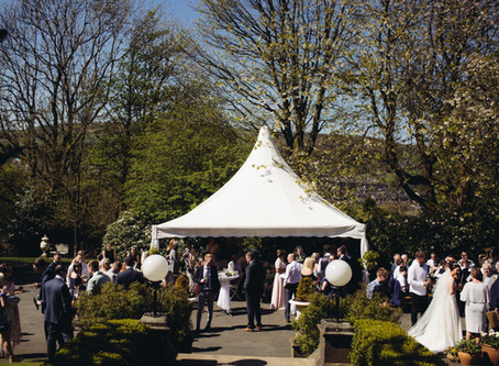 Guide to Planning A Marquee Wedding in the UK.