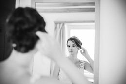 Hannah and Thomas Swiss wedding. Switzerland Wedding in Pontresina. Dream Wedding. Mountaintop wedding. Celerina chapel. Romantic international wedding. Hannah getting ready for her wedding.