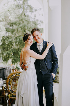 Hannah and Thomas Swiss wedding. Switzerland Wedding in Pontresina. Dream Wedding. Mountaintop wedding. Celerina chapel. Romantic international wedding. First glance at the Hotel Walther in Pontresina.