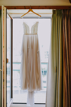 Hannah and Thomas Swiss wedding. Switzerland Wedding in Pontresina. Dream Wedding. Mountaintop wedding. Celerina chapel. Romantic international wedding. Dress photo.