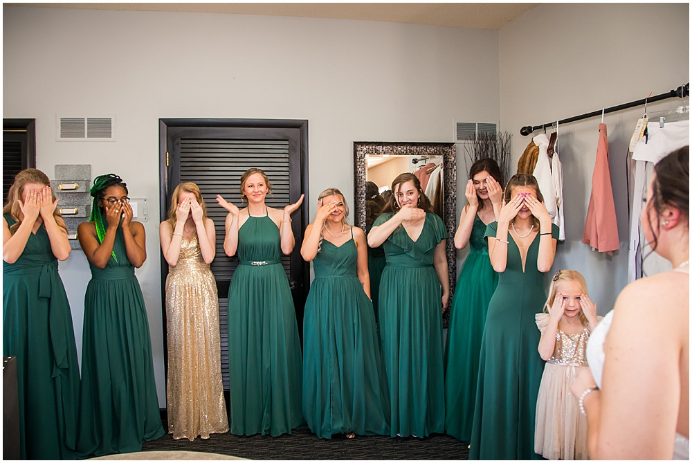 bridal reveal, bridesmaids, hunter green dresses, winter wedding