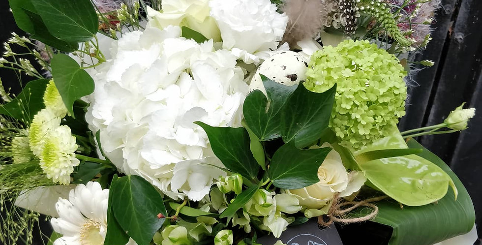 Classy cream bouquet