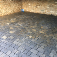 Surface Clean Banbury driveway oil removed