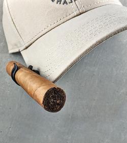 cigar-hat-clip