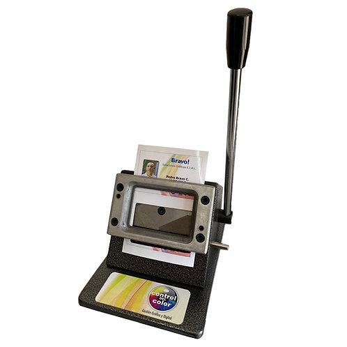 Troqueladora de credenciales o tarjetas de visitas