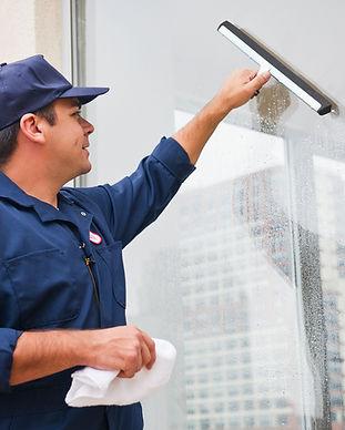 Laveur-de-vitres-assofac-chateauroux
