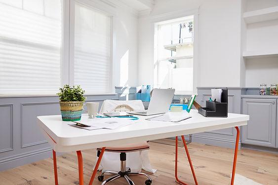 Legens Desk