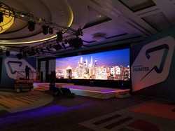 40' Wide x 10' High Ground Stacked 3.9mm LED Wall