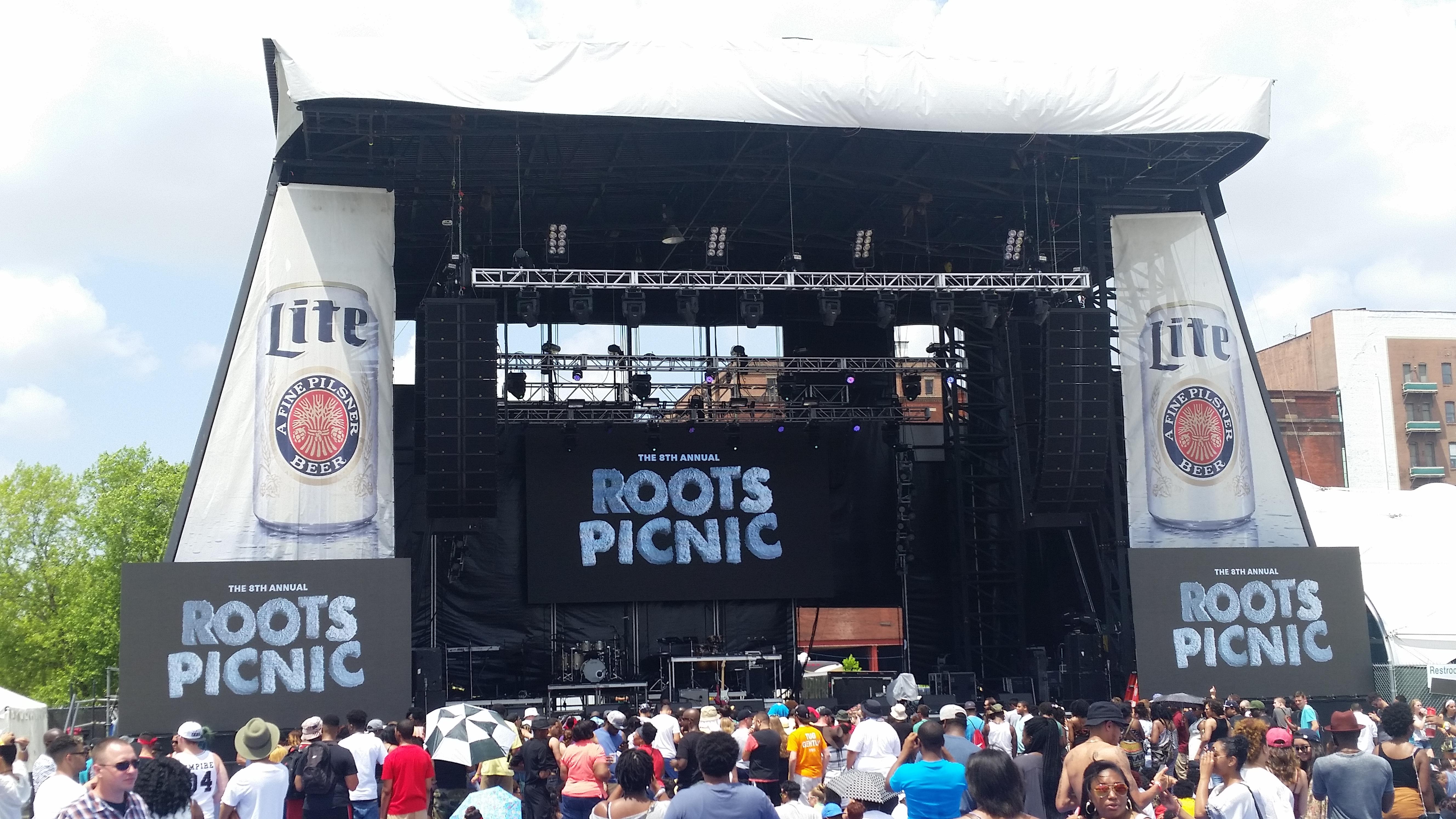 Roots Picnic Toura6