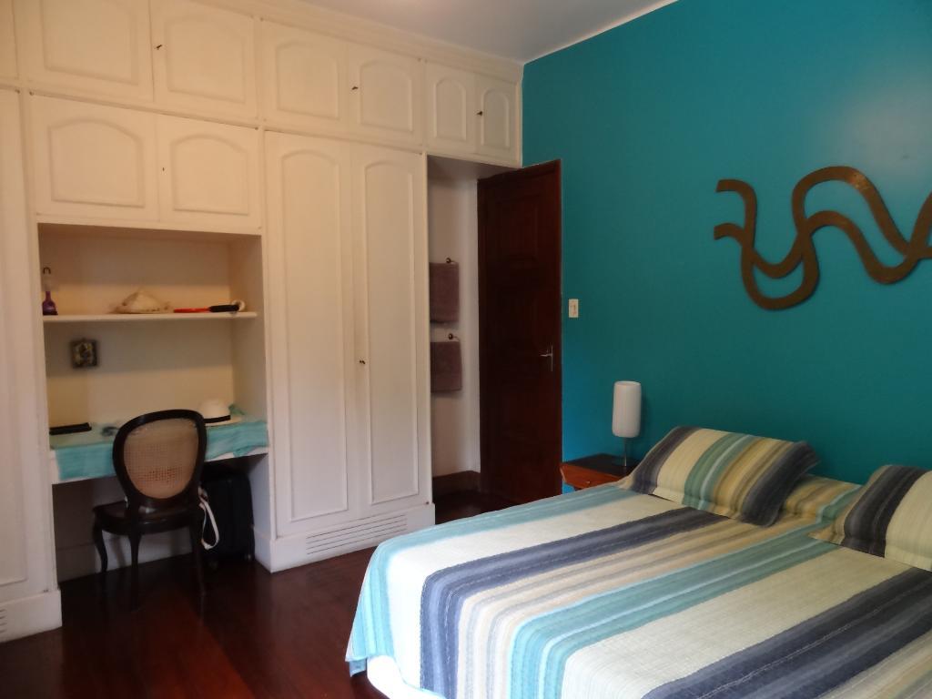 La Chambre Bleue avec un lit queen