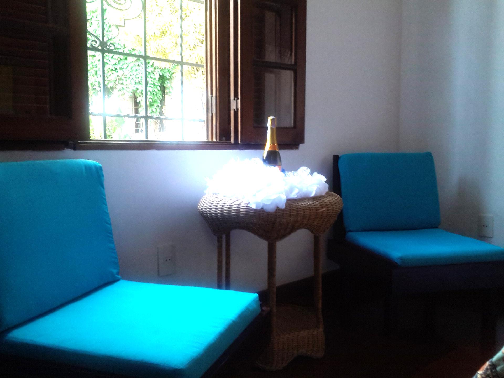 Seating area Orange Room
