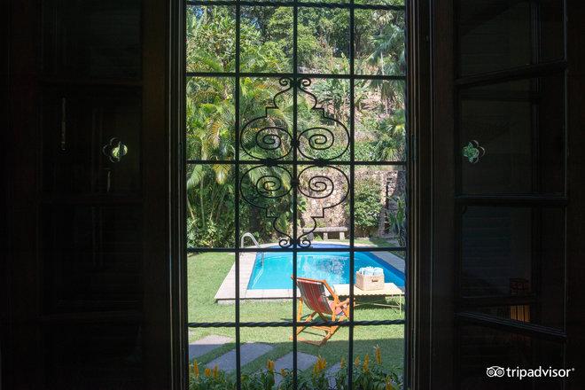 Window of Orange Room