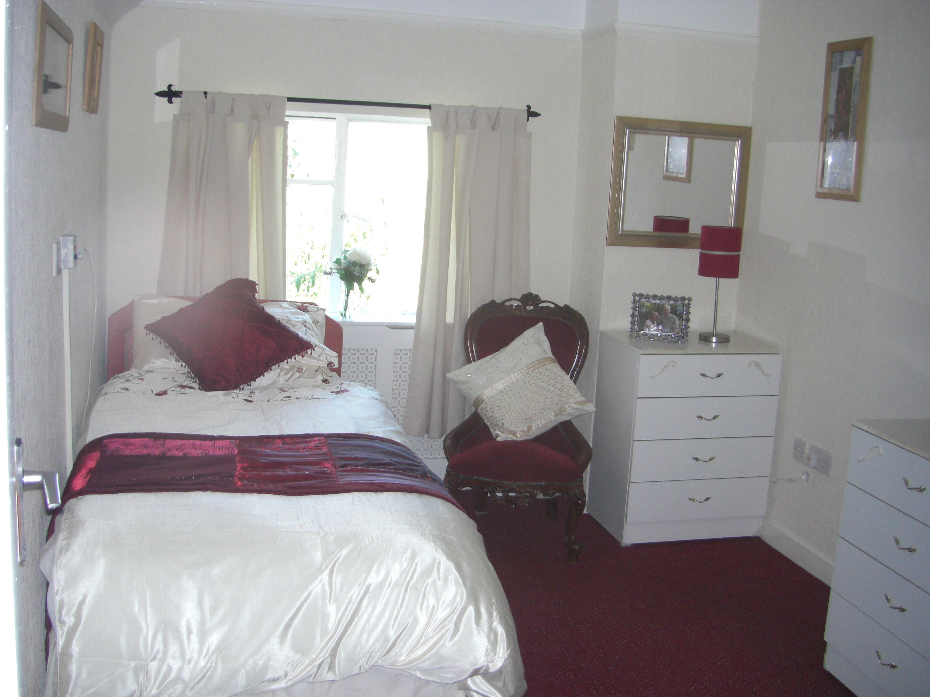 An example of a Bronafallen Bedroom