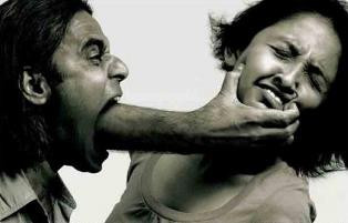 «Γιατί ο σύντροφός μου με κακοποιεί συναισθηματικά;»