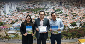 Bilingual portfolio for investments and job creation honored in the Chamber