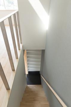 1階からの吹き抜け階段