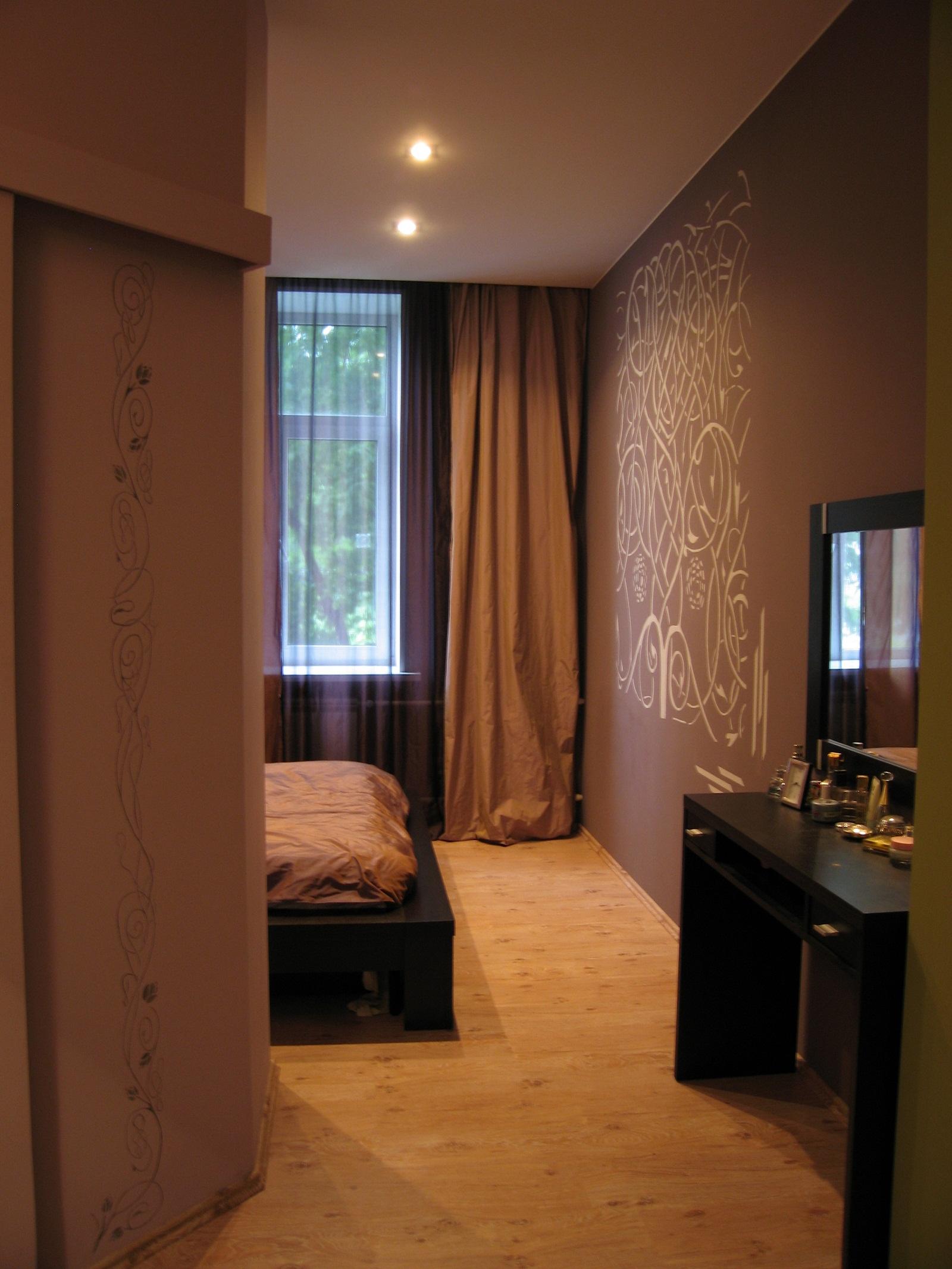 Спальня с росписью